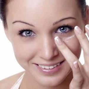 Tränensäcke und Augenringe vorbeugen