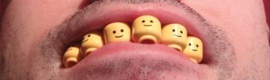 Warum habe ich gelbe Zähne